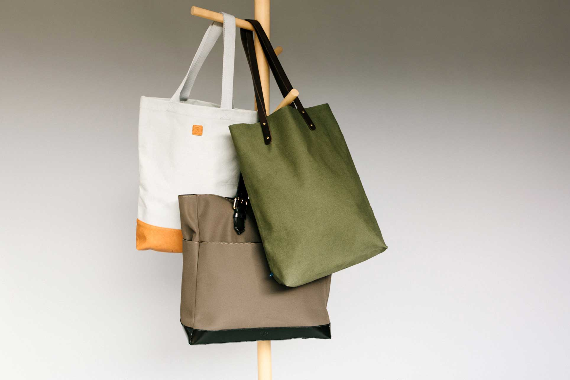 What is a tote bag?