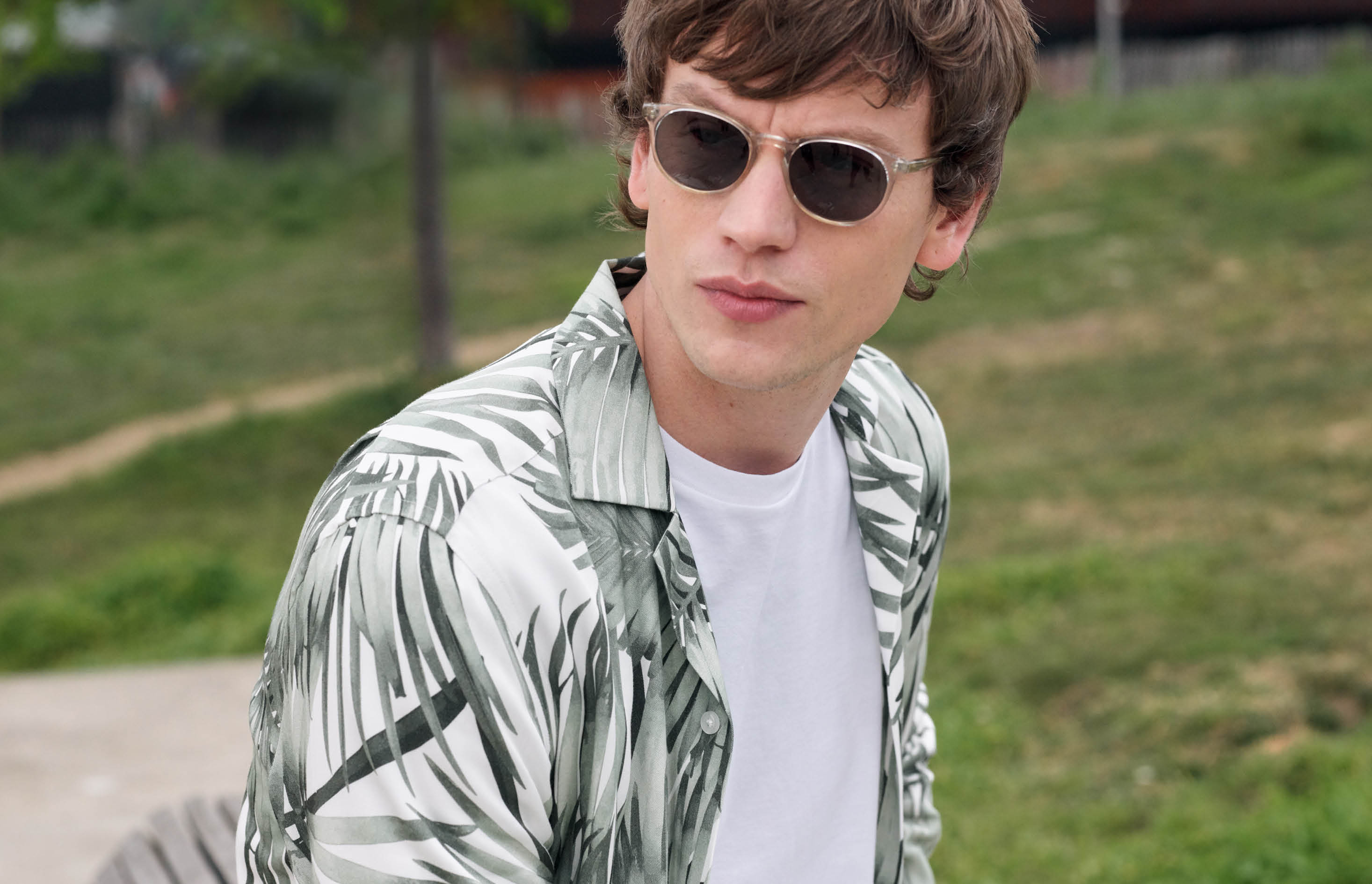 How to wear printed shirts this summer