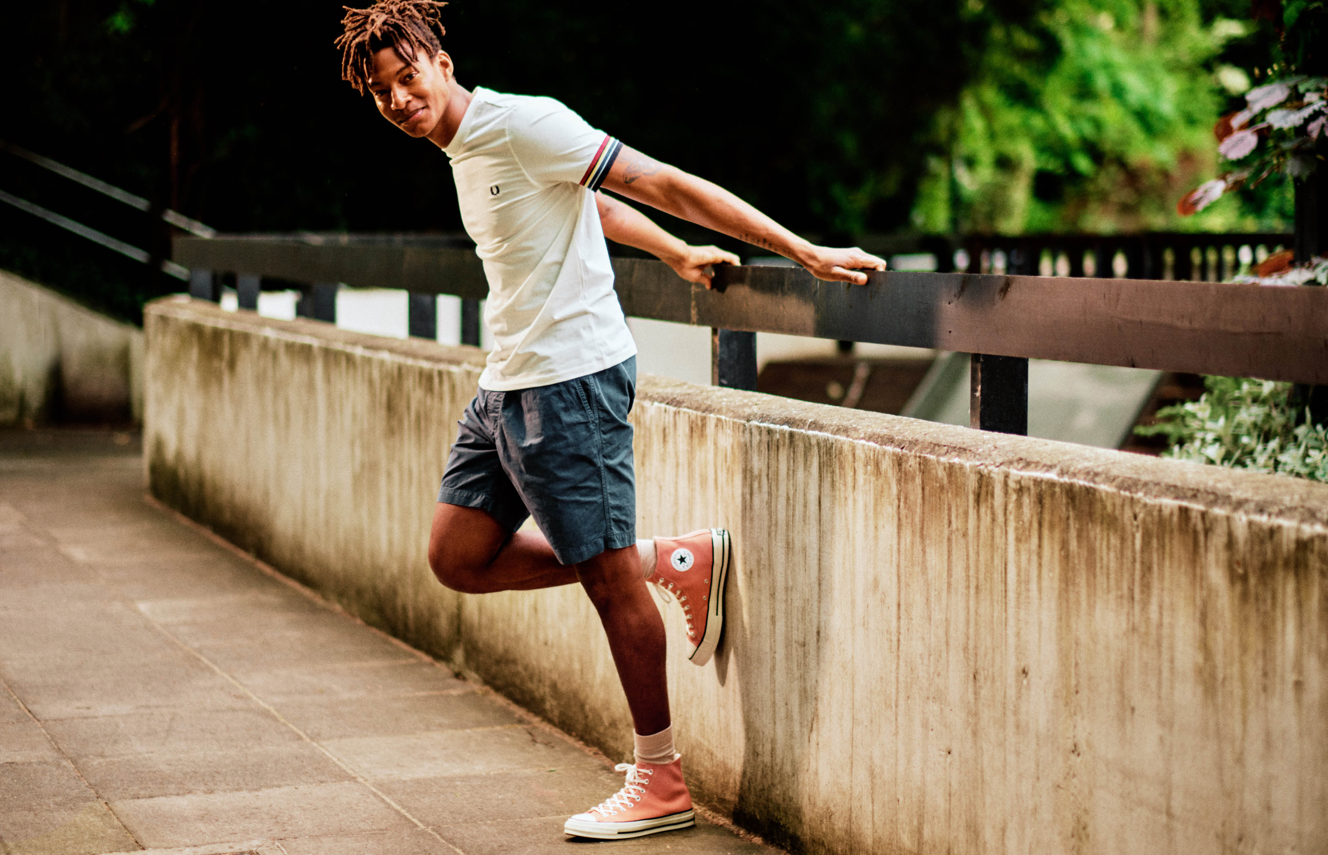 Stress-free shorts and shoes combinations