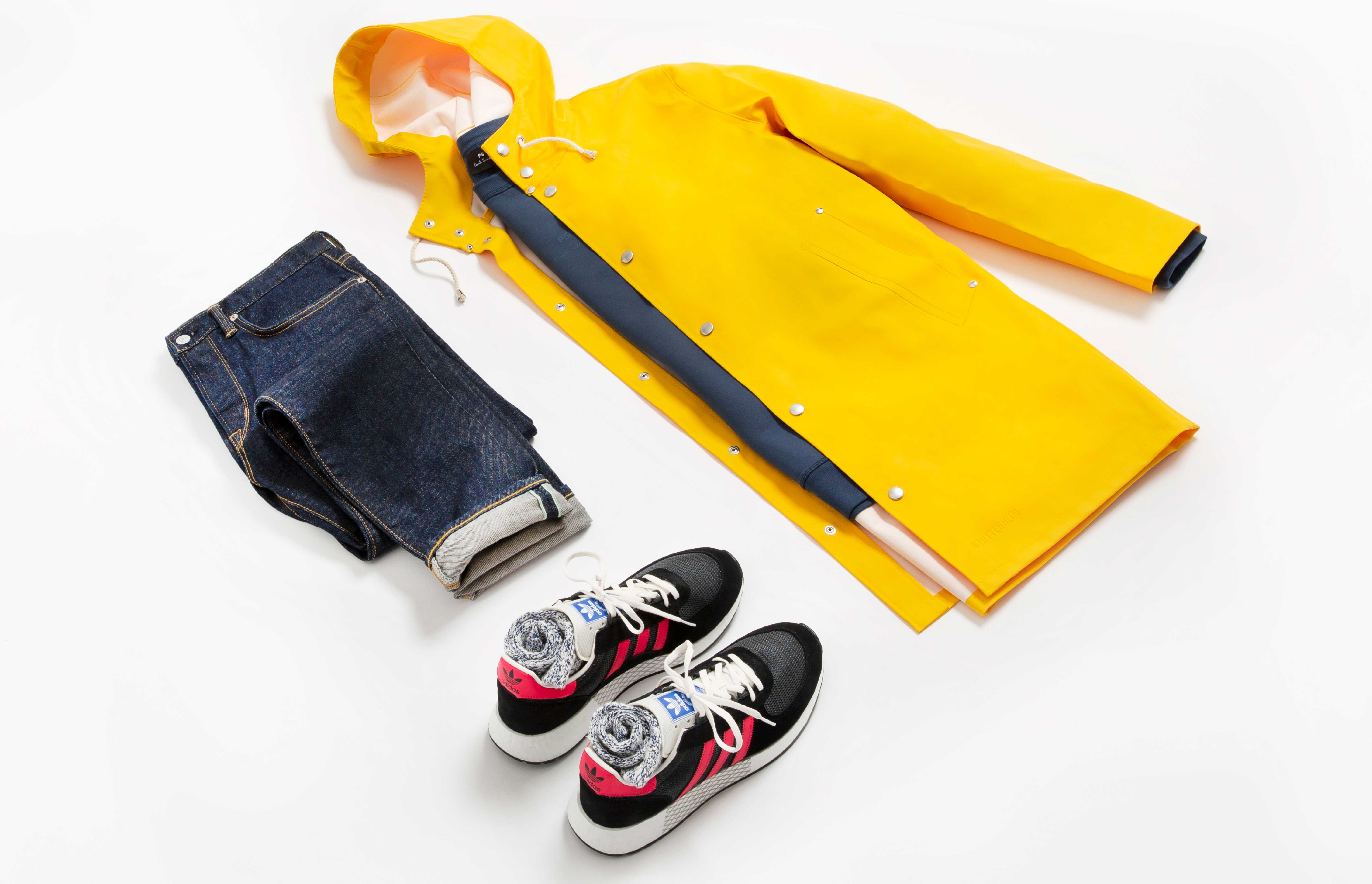 How to pull off a bright raincoat