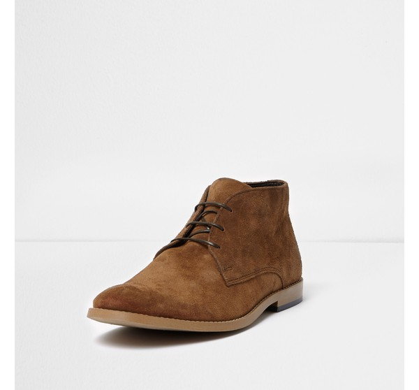Mens Tan suede chukka boots by River