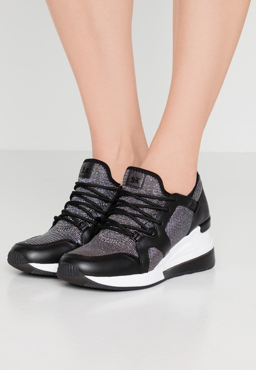 liv trainer sneakers