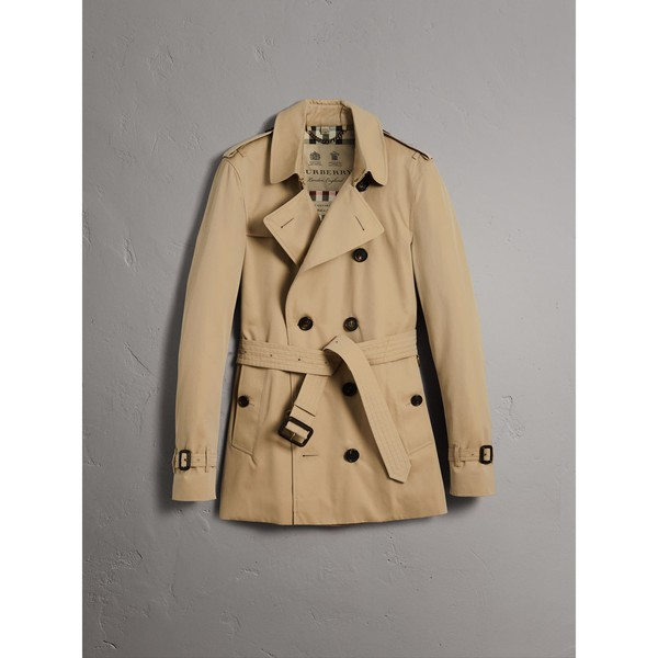 15b137bed3 The Sandringham – Short Trench Coat by Burberry