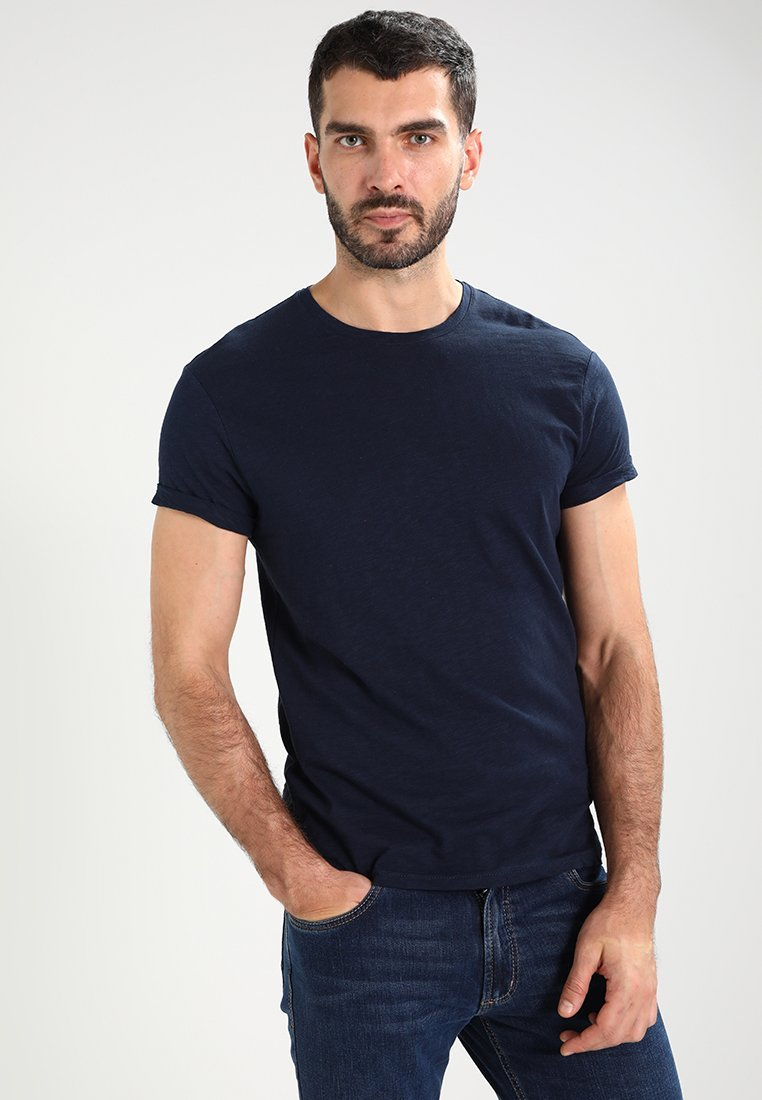 Zalando Essentials dark blue Basic T-shirt