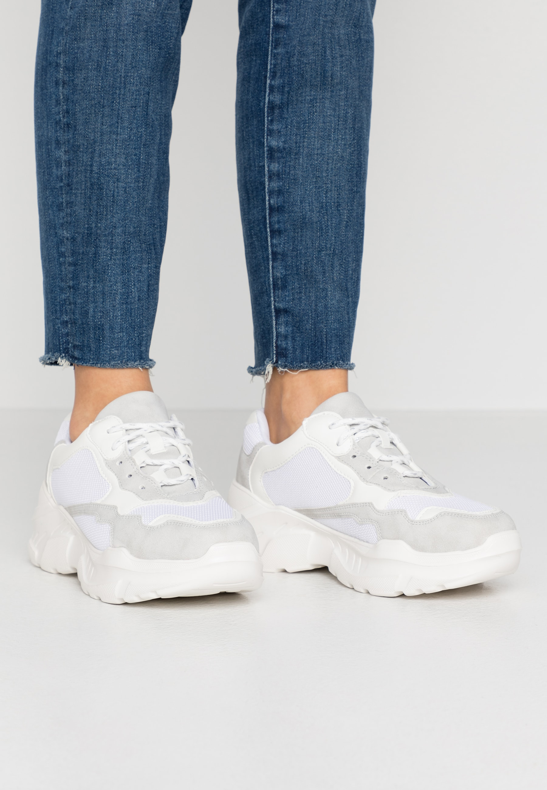 TUCKER CHUNKY TRAINER - Trainers by