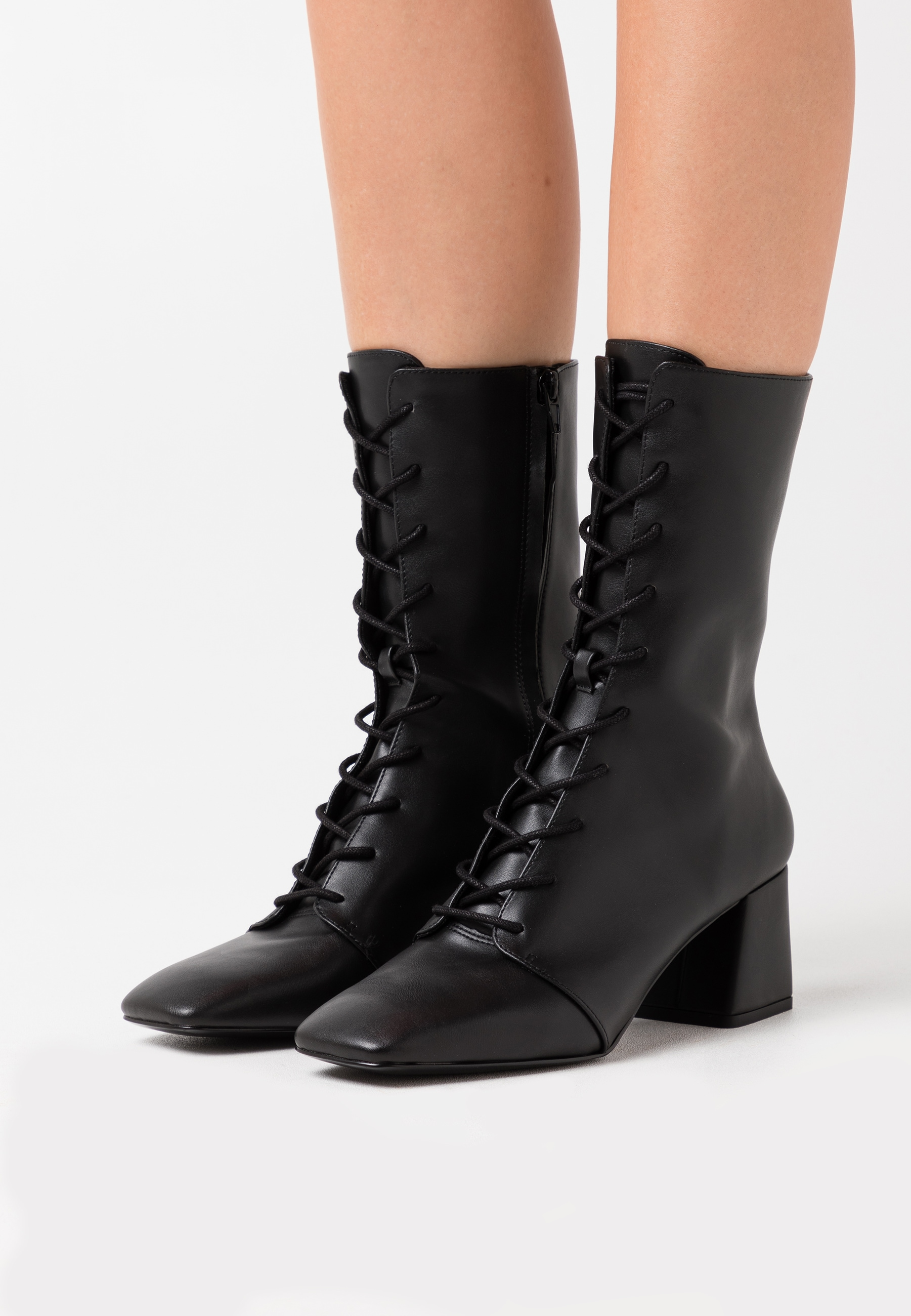 VEGAN THELMA BOOT - Lace-up boots by