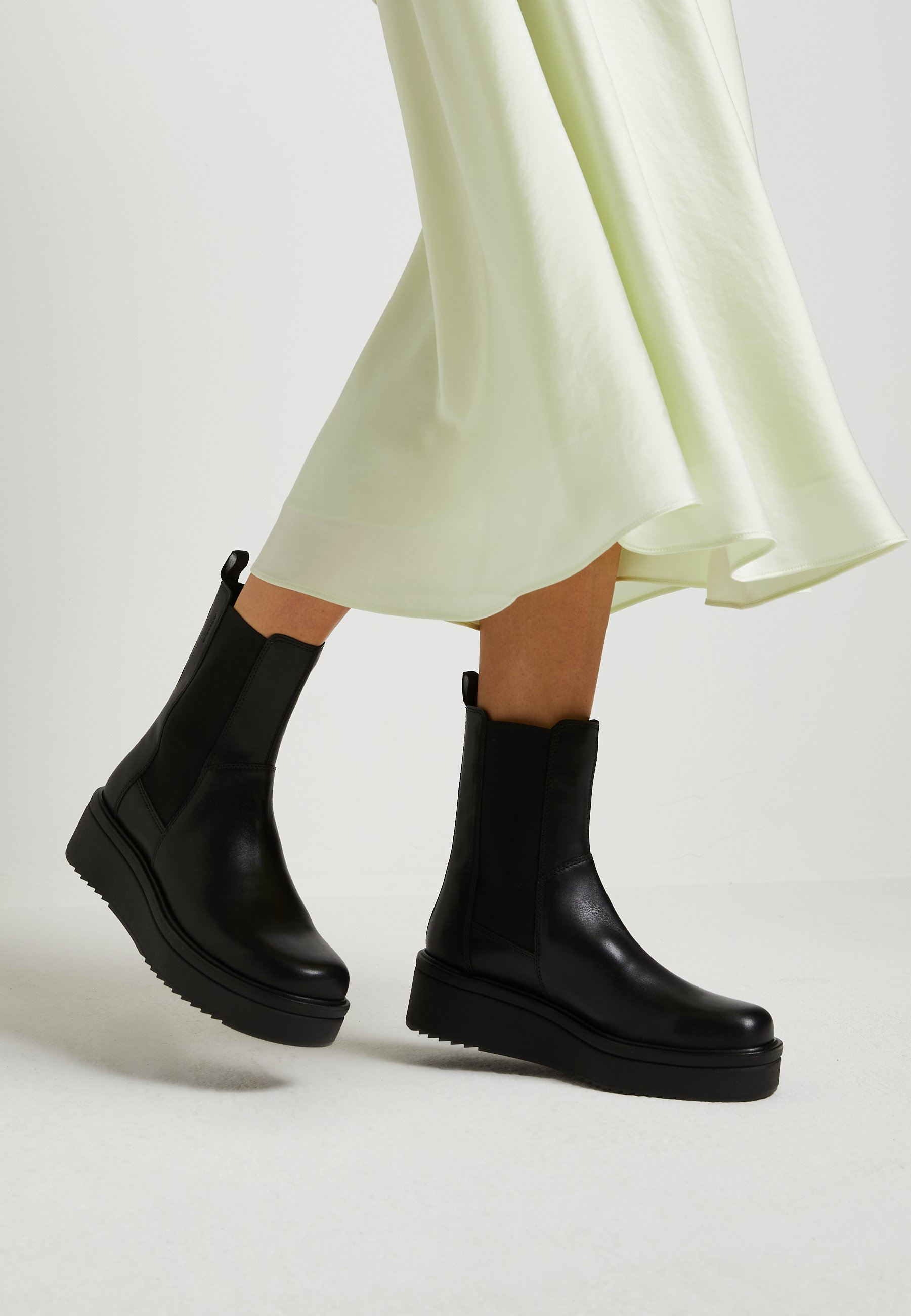 TARA - Wedge Ankle Boots by Vagabond
