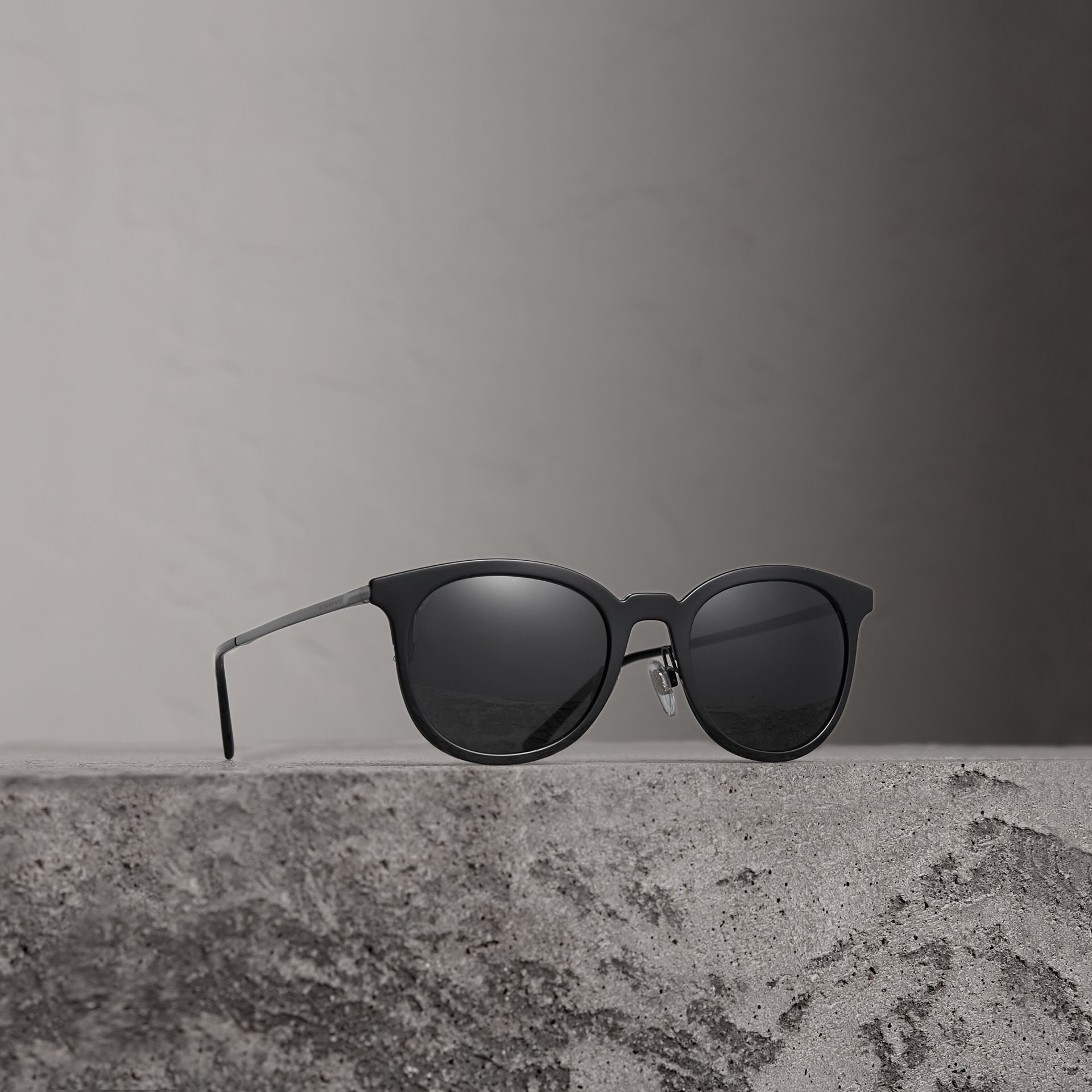Burberry Black Round Frame Sunglasses