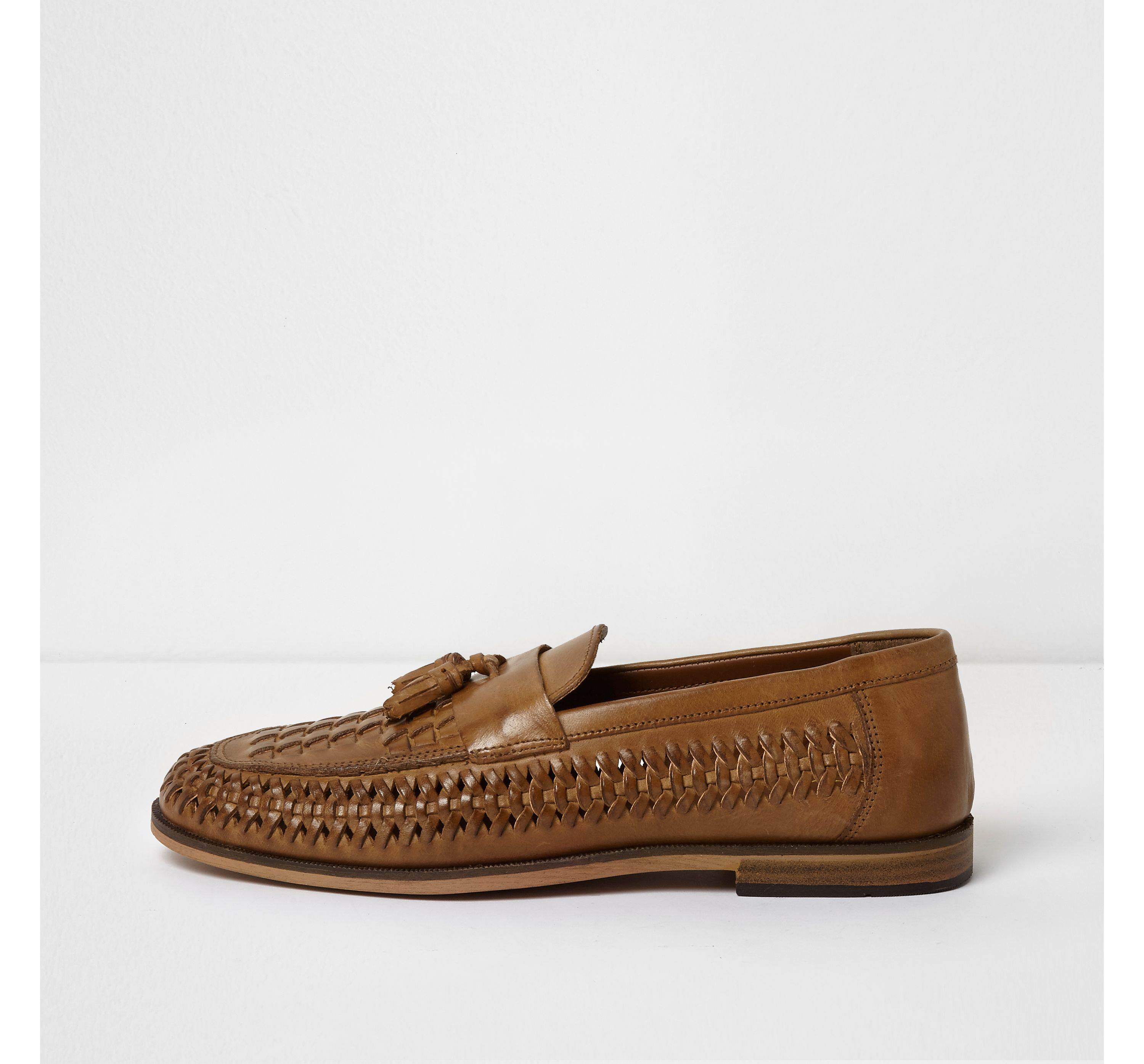 River Island Mens Tan polished leather woven tassel loafers