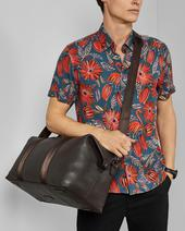 HOLDING Leather holdall in Brown