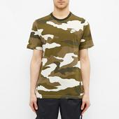 Nike Club Camo Tee in Green and White