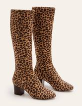 Round Toe Stretch Boots in Brown