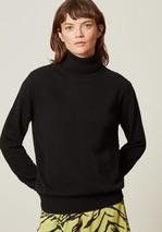ANNALISE CASHMERE ROLLNECK in Black