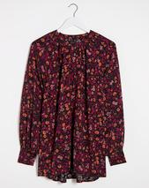 Black Print Viscose Collarless Blouse in Red
